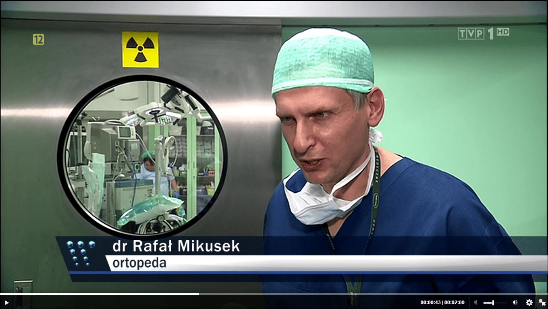 Rafał Mikusek ortopeda rekonstrukcja więzadła krzyżowego przedniego metodą internal brace Wiadomości TVP